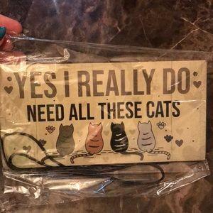 Cat wall hanger